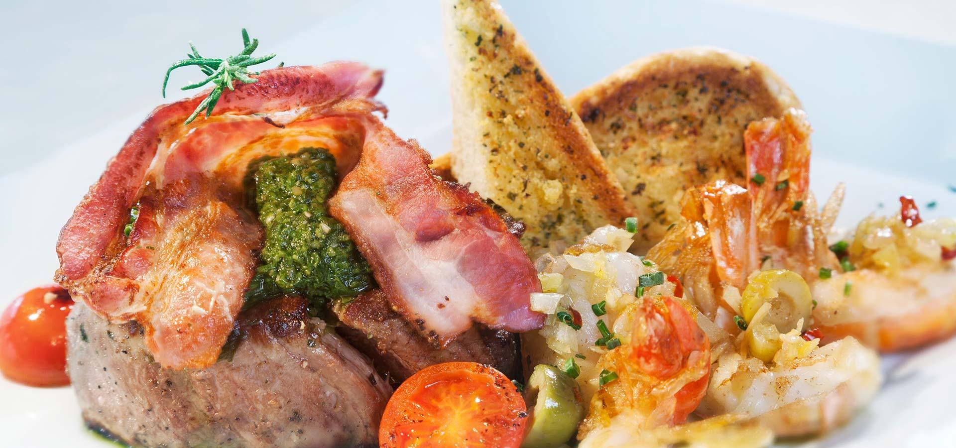 Variationsreiche Speisekarte  aus der gehobenen Küche